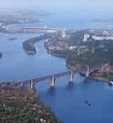 De Dnipro rivier stroomt door Oekraïne van het noorden naar de Zwarte Zee en is met een totale lengte van 2.201 km de op twee na grootste rivier van Europa, na de Wolga en de Donau.