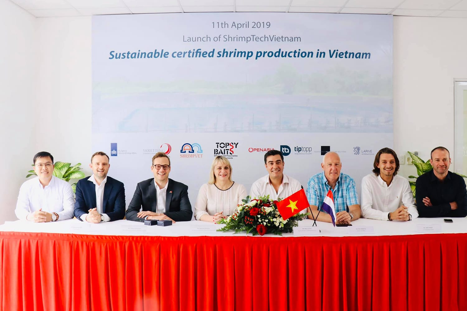 On March 11 April 2019, a new Impact Cluster collaboration ShrimpTechVietnam was signed by Marjolijn Sonnema, Director-General Agriculture of the Ministry of Agriculture,